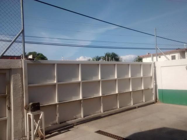 Townhouse Zulia>Ciudad Ojeda>Bermudez - Venta:97.233.000.000 Precio Referencial - codigo: 16-7253