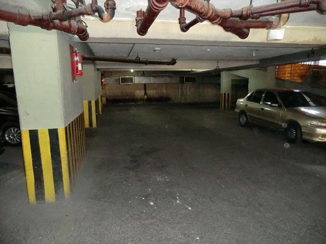 Local Comercial Distrito Metropolitano>Caracas>Parroquia La Candelaria - Venta:1.132.000.000 Bolivares - codigo: 16-7263