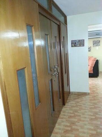 Apartamento Distrito Metropolitano>Caracas>Colinas de La Tahona - Venta:432.000.000 Bolivares Fuertes - codigo: 16-7304