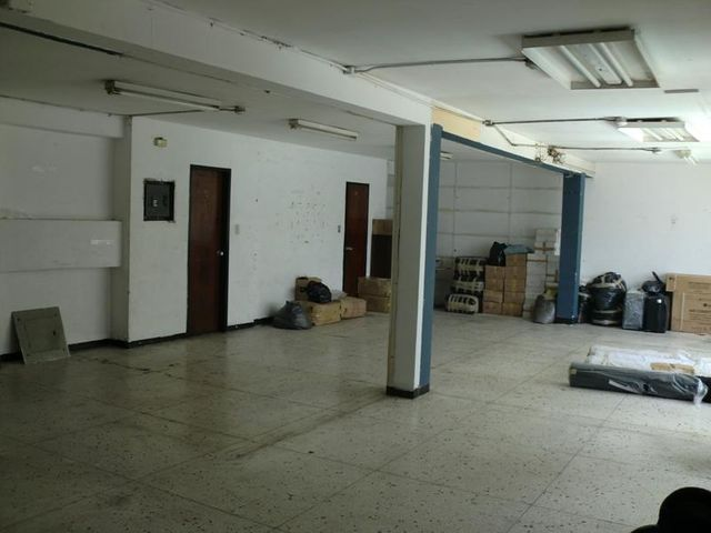 Local Comercial Distrito Metropolitano>Caracas>Parroquia Catedral - Venta:19.240.000.000 Precio Referencial - codigo: 16-7314