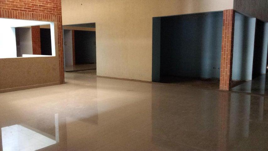 Local Comercial Carabobo>Valencia>Agua Blanca - Venta:76.500.000 Bolivares - codigo: 16-7365