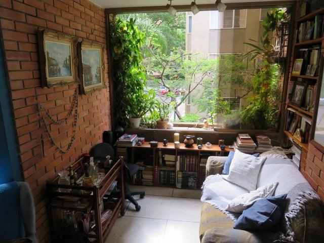 Apartamento Distrito Metropolitano>Caracas>Los Palos Grandes - Venta:62.395.000.000 Precio Referencial - codigo: 16-7387