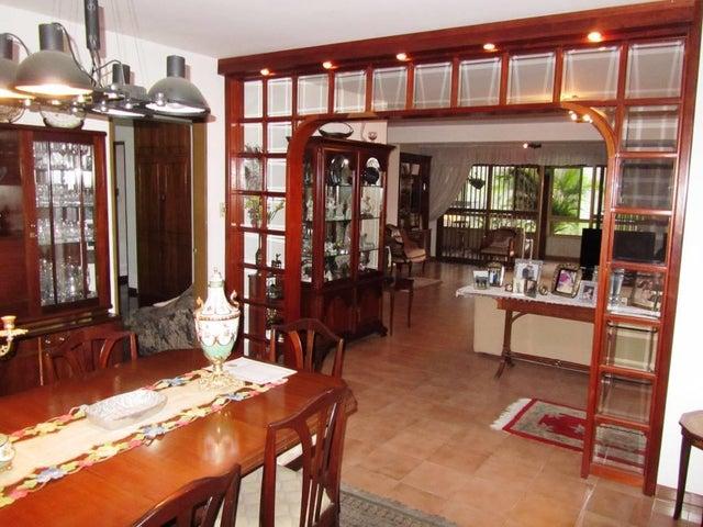 Apartamento Distrito Metropolitano>Caracas>Miranda - Venta:121.137.000.000 Precio Referencial - codigo: 16-7442