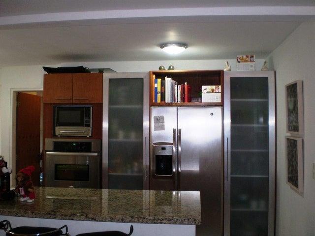 Apartamento Distrito Metropolitano>Caracas>Los Naranjos de Las Mercedes - Venta:380.000 Precio Referencial - codigo: 16-7407