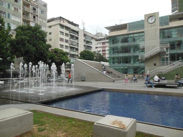 Apartamento Distrito Metropolitano>Caracas>Los Palos Grandes - Venta:91.609.000.000 Precio Referencial - codigo: 16-7487