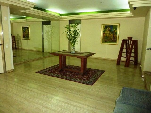 Apartamento Distrito Metropolitano>Caracas>Santa Rosa de Lima - Venta:195.432.000.000 Precio Referencial - codigo: 16-7444