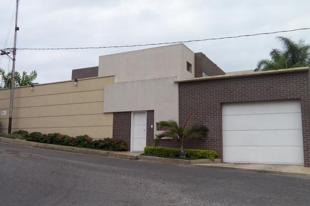 Casa Lara>Barquisimeto>Parroquia Catedral - Venta:34.909.000.000 Bolivares - codigo: 16-7448
