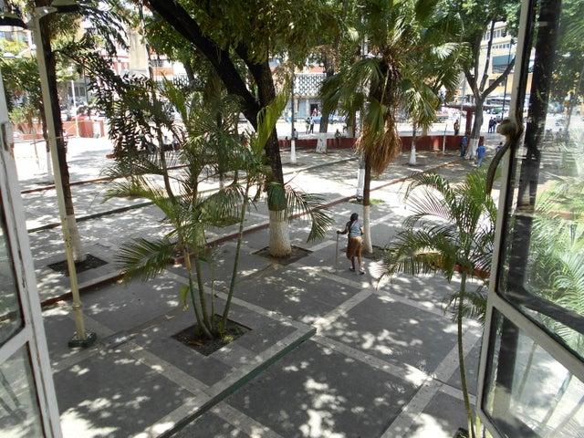 Apartamento Distrito Metropolitano>Caracas>Parroquia San Juan - Venta:7.400.000.000 Bolivares Fuertes - codigo: 16-7451