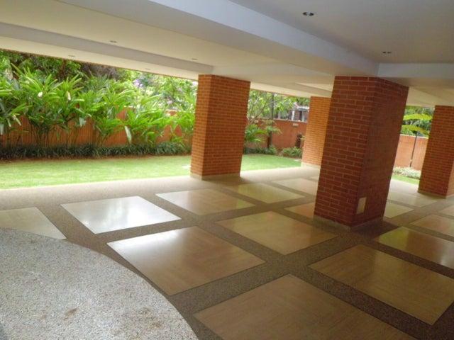 Apartamento Distrito Metropolitano>Caracas>Campo Alegre - Alquiler:420.000.000 Bolivares Fuertes - codigo: 16-7468