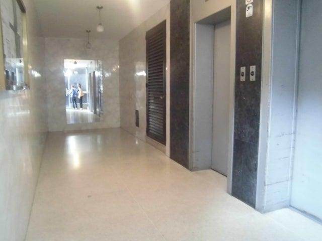 Apartamento Distrito Metropolitano>Caracas>La California Norte - Venta:80.000.000  - codigo: 16-7500