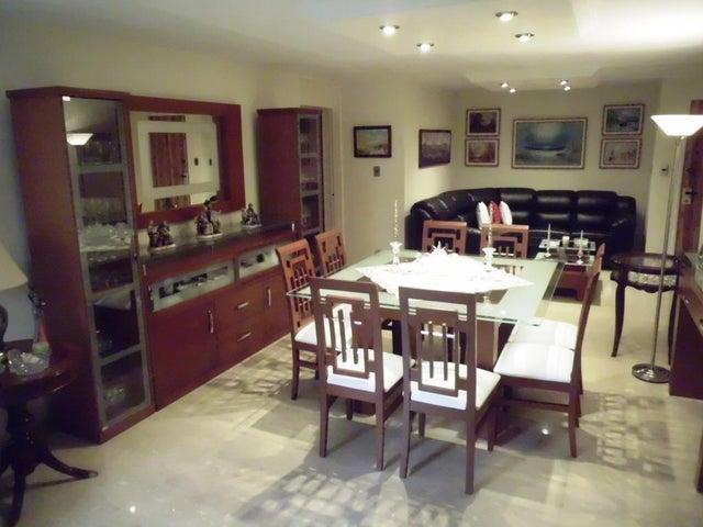 Apartamento Distrito Metropolitano>Caracas>Los Naranjos del Cafetal - Venta:42.300.000.000 Bolivares Fuertes - codigo: 16-7543