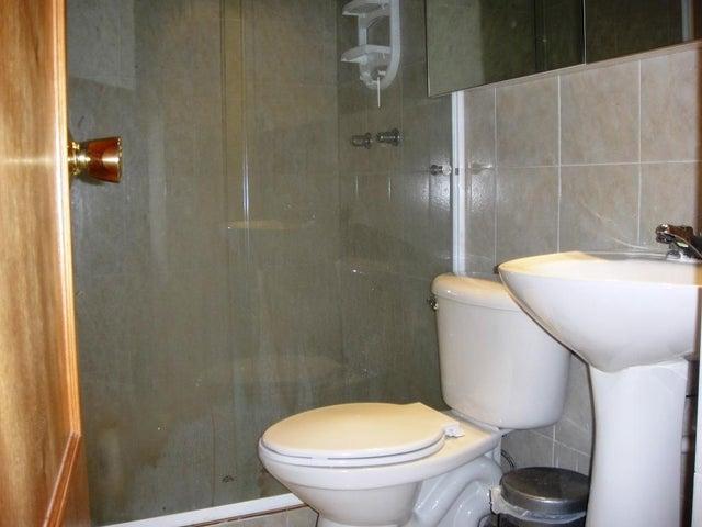 Apartamento Distrito Metropolitano>Caracas>Parque Caiza - Venta:30.000 Precio Referencial - codigo: 16-7558
