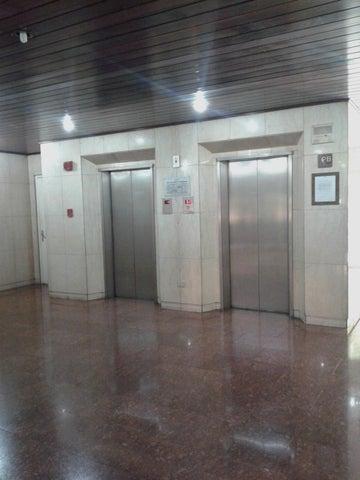 Apartamento Distrito Metropolitano>Caracas>El Rosal - Venta:79.000.000 Bolivares Fuertes - codigo: 16-7909