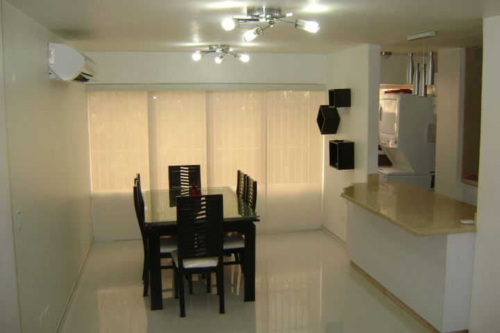 Apartamento Distrito Metropolitano>Caracas>Montalban III - Venta:7.403.000.000 Bolivares Fuertes - codigo: 16-7574