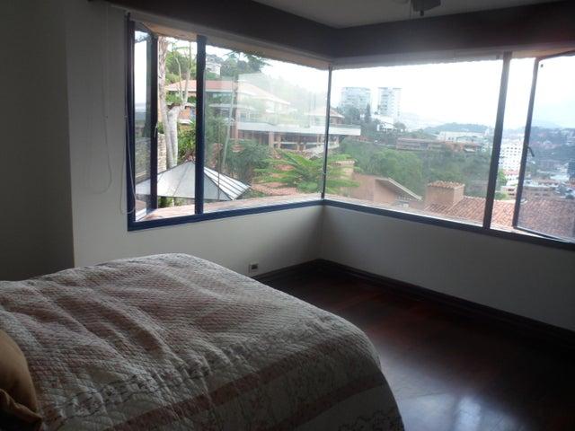 Casa Distrito Metropolitano>Caracas>Lomas de Chuao - Venta:2.859.688.000.000  - codigo: 16-7568