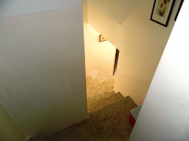 Apartamento Distrito Metropolitano>Caracas>Alta Florida - Venta:122.145.000.000 Precio Referencial - codigo: 16-7634