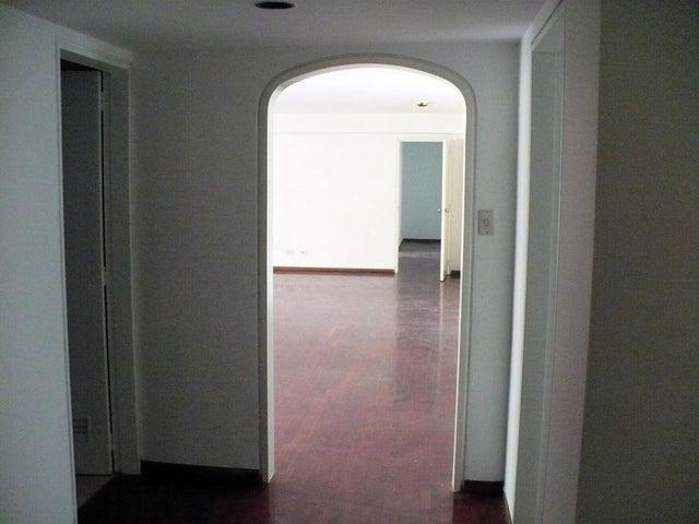 Apartamento Distrito Metropolitano>Caracas>Alta Florida - Venta:130.327.000.000 Bolivares Fuertes - codigo: 16-7823