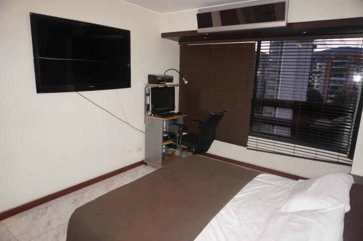Apartamento Distrito Metropolitano>Caracas>El Paraiso - Venta:32.307.000.000 Bolivares Fuertes - codigo: 16-7762