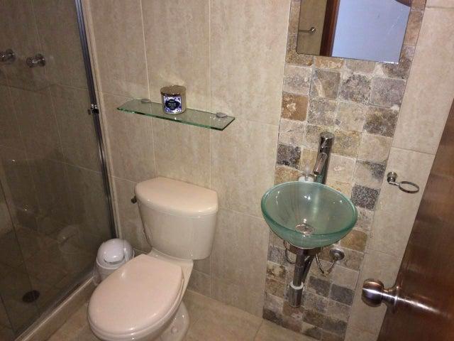 Apartamento Zulia>Maracaibo>Avenida Bella Vista - Venta:150.000.000 Bolivares Fuertes - codigo: 16-7745