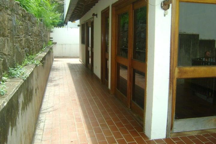 Casa Distrito Metropolitano>Caracas>El Marques - Venta:734.110.000.000 Precio Referencial - codigo: 16-7794