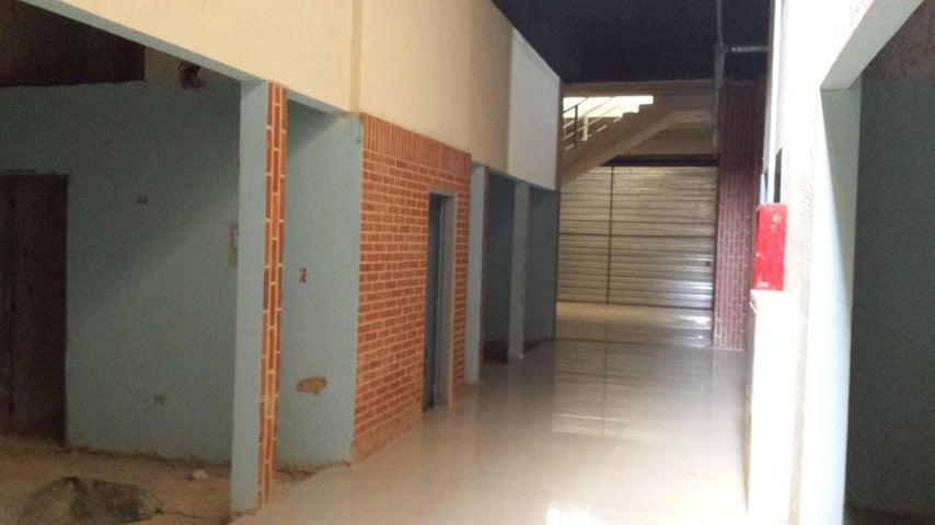 Local Comercial Carabobo>Valencia>Agua Blanca - Venta:49.000.000 Bolivares - codigo: 16-7807