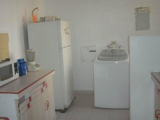 Apartamento Zulia>Maracaibo>Circunvalacion Dos - Venta:28.512.000 Bolivares Fuertes - codigo: 16-7930
