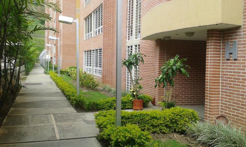 Apartamento Distrito Metropolitano>Caracas>El Encantado - Venta:10.384.000.000 Bolivares Fuertes - codigo: 16-7962