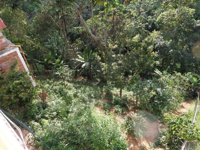 Casa Miranda>San Antonio de los Altos>El Picacho - Venta:8.000.000.000 Bolivares - codigo: 16-7985
