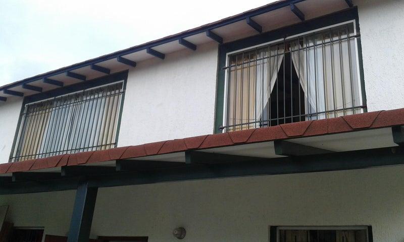 Casa Distrito Metropolitano>Caracas>Karimao Country - Venta:36.922.000.000 Bolivares - codigo: 16-7894