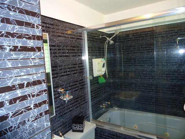 Apartamento Distrito Metropolitano>Caracas>El Cigarral - Venta:27.687.000.000 Bolivares Fuertes - codigo: 16-8026