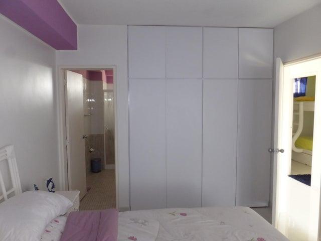 Apartamento Miranda>Higuerote>Puerto Encantado - Venta:31.774.000.000 Precio Referencial - codigo: 16-8058
