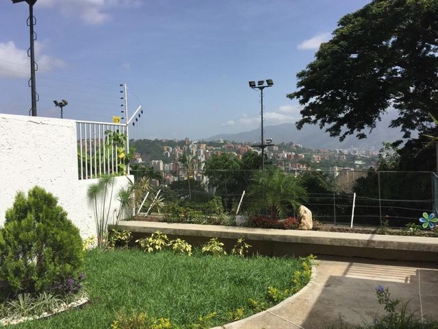 Apartamento Distrito Metropolitano>Caracas>Los Samanes - Venta:45.264.000.000 Bolivares Fuertes - codigo: 16-8145