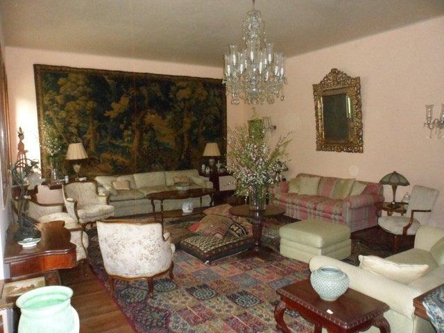 Casa Distrito Metropolitano>Caracas>Country Club - Venta:507.598.000.000 Bolivares - codigo: 16-8167