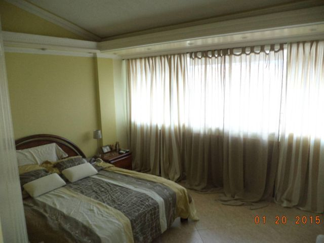 Casa Miranda>Charallave>Santa Rosa de Charallave - Venta:152.681.000.000 Precio Referencial - codigo: 16-8161