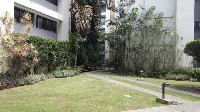 Apartamento Distrito Metropolitano>Caracas>Los Chorros - Venta:49.790.000.000 Bolivares Fuertes - codigo: 16-8166