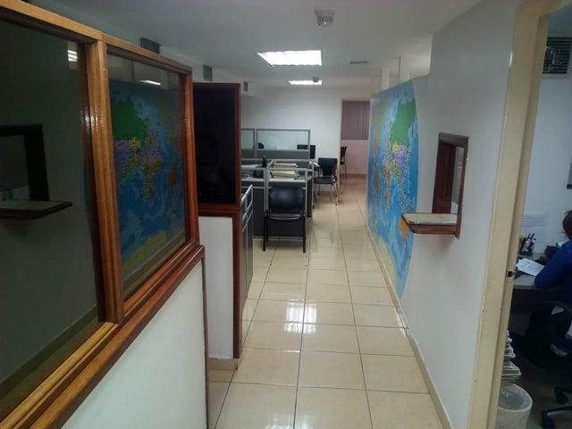 Oficina Vargas>La Guaira>Maiquetia - Venta:15.000.000.000 Bolivares - codigo: 16-8175