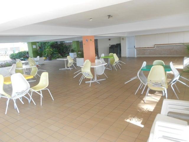 Apartamento Vargas>Catia La Mar>Playa Grande - Venta:25.131.000 Precio Referencial - codigo: 16-8207