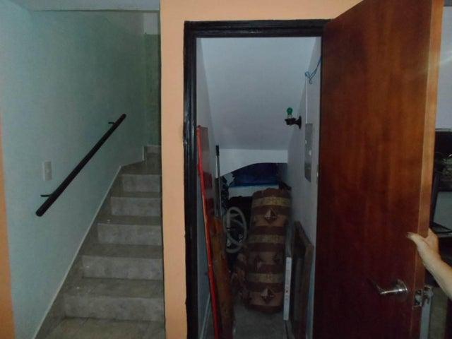 Townhouse Carabobo>Municipio San Diego>La Cumaca - Venta:20.000 Precio Referencial - codigo: 16-8213
