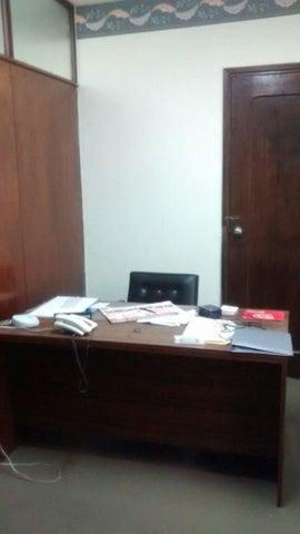 Oficina Distrito Metropolitano>Caracas>Parroquia Catedral - Venta:1.811.000.000 Bolivares - codigo: 16-8397
