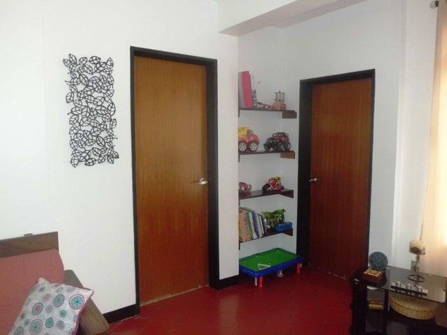 Casa Distrito Metropolitano>Caracas>La Carlota - Venta:46.267.000.000 Bolivares - codigo: 16-8297