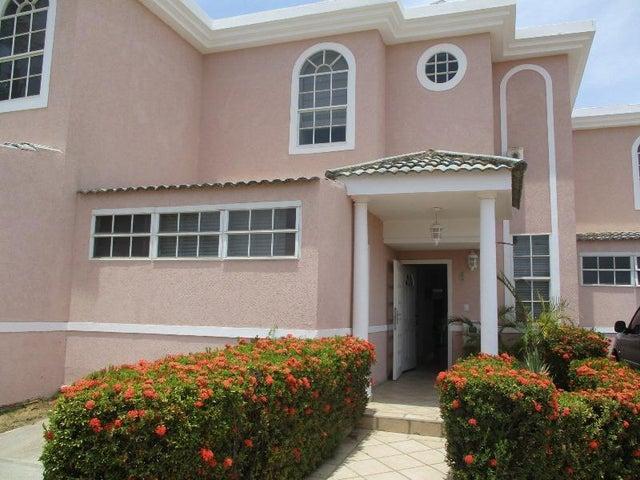 Townhouse Nueva Esparta>Margarita>Sabanamar - Venta:125.000 Precio Referencial - codigo: 16-8315
