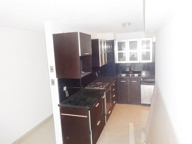 Apartamento Distrito Metropolitano>Caracas>Parque Caiza - Venta:10.360.000.000 Bolivares Fuertes - codigo: 16-8318