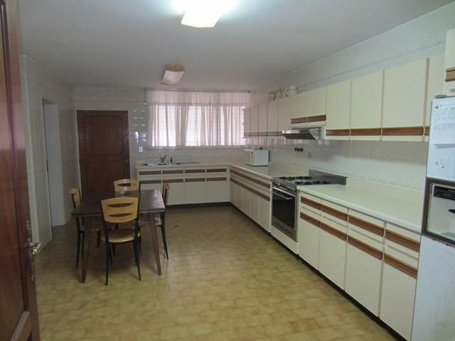 Casa Distrito Metropolitano>Caracas>Los Naranjos del Cafetal - Venta:287.334.000.000 Precio Referencial - codigo: 16-8389