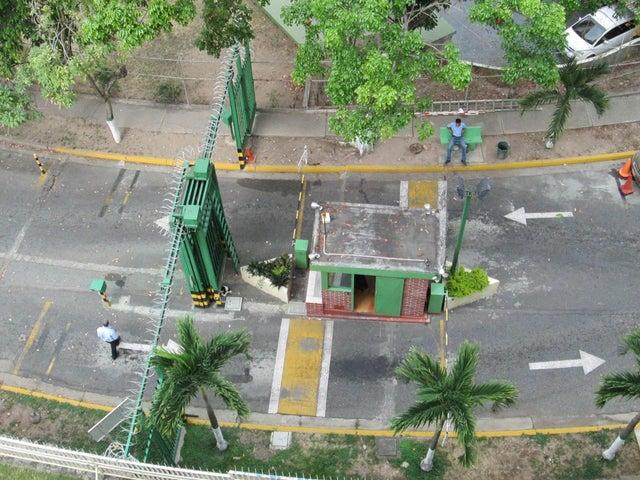 Apartamento Distrito Metropolitano>Caracas>La Urbina - Venta:18.458.000.000 Bolivares Fuertes - codigo: 16-8483