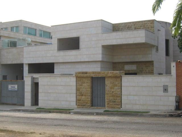Casa Carabobo>Valencia>Altos de Guataparo - Venta:208.201.000.000 Bolivares - codigo: 16-8492