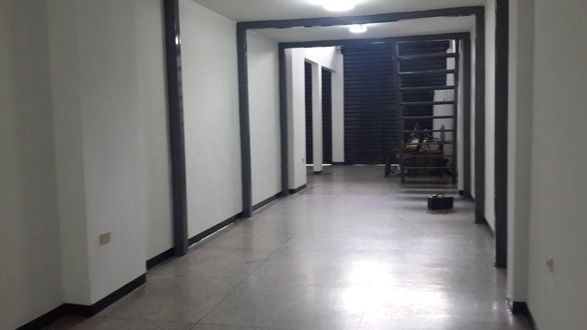 Local Comercial Lara>Barquisimeto>Parroquia Concepcion - Alquiler:446.429 Bolivares Fuertes - codigo: 16-8490