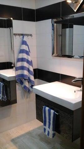 Apartamento Distrito Metropolitano>Caracas>Escampadero - Venta:320.631.000.000 Precio Referencial - codigo: 15-10428