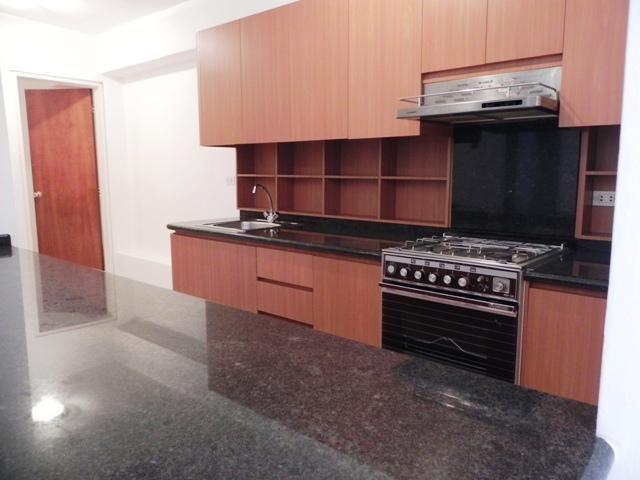 Apartamento Distrito Metropolitano>Caracas>Campo Alegre - Venta:115.442.000.000 Precio Referencial - codigo: 16-8850