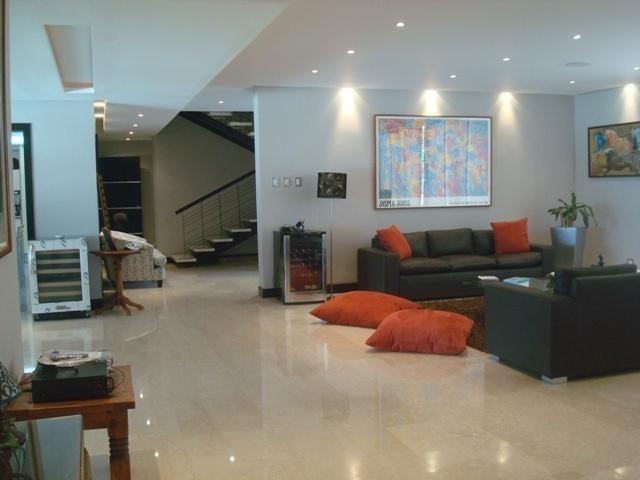 Casa Distrito Metropolitano>Caracas>Prados del Este - Venta:498.046.000.000 Precio Referencial - codigo: 16-8566