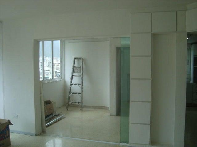 Apartamento Distrito Metropolitano>Caracas>Los Palos Grandes - Venta:56.397.000.000 Bolivares Fuertes - codigo: 16-8578